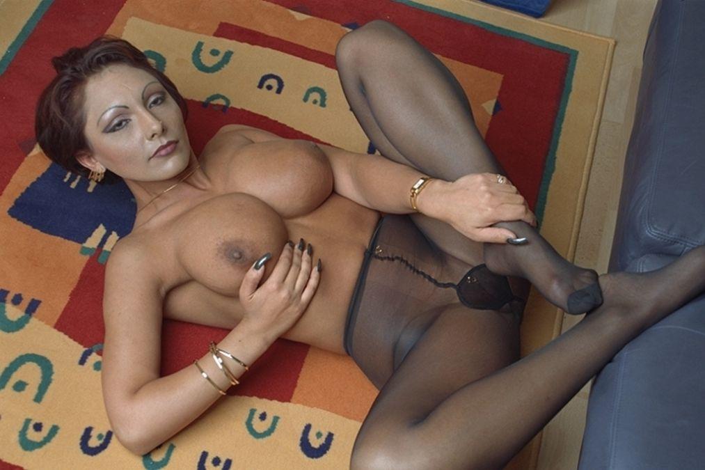 Livesexgirl mit großen Titten